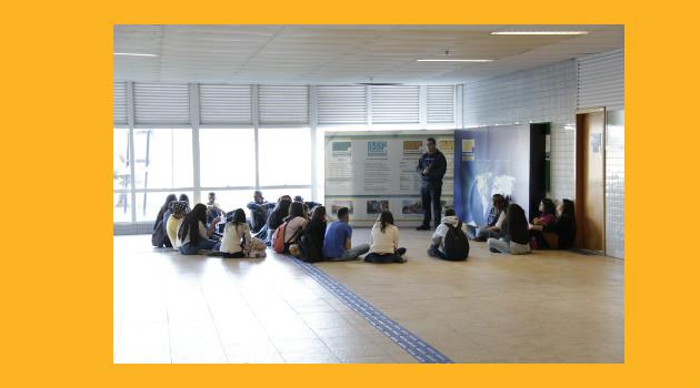 """""""EACH de portas abertas"""" inicia as suas atividades, o lançamneto do programa contou com a presença do pró-reitor de graduação."""